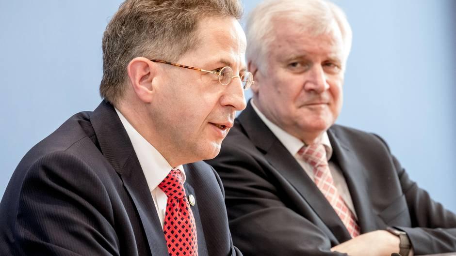 Innenminister Horst Seehofer (CSU, r.) neben Hans-Georg Maaßen, dem Präsidenten des Bundesamtes für Verfassungsschutz