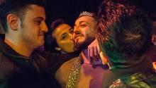Ein Tag der Leichtigkeit in Jahren unter Druck: Hussein trägt die Krone des MisterGay Syria. Der Wettbewerb wurde nie wiederholt.