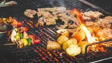 Auf keinen Fall abschlagen sollte man daher eine Einladung zum Braai, der südafrikanischen Variante des Barbecue.