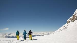 Skifahrer auf dem Hintertuxer Gletscher