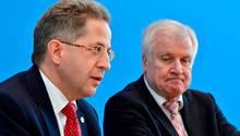 Hans-Georg Maaßen (l.) und Horst Seehofer: Entlässt der Innenminister seinen obersten Verfassungsschützer? Viel spricht dafür.