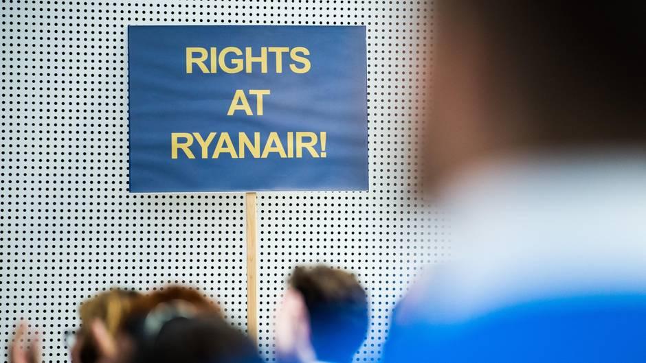 Mitarbeiter bei Ryanair im Streik