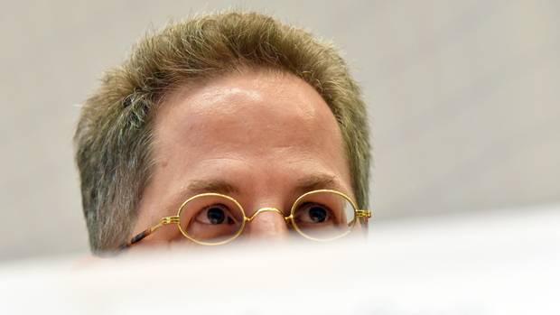 Verfassungsschutz-Präsident Hans-Georg Maaßen ist nach seinen Aussagen zu Chemnitz schwer unter Druck