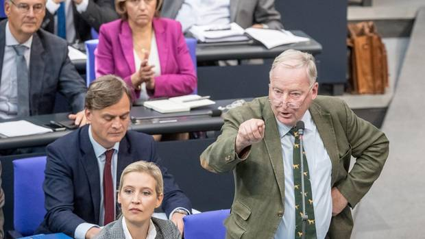 Generalaussprache zur Regierungspolitik - Schlagabtausch im Bundestag