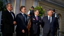 V.l.n.r.: Dieter Romann (Bundespolizei), Holger Münch (BKA) , Hans-Georg Maaßen (Verfassungsschutz) und Bruno Kahl (BND) posieren vor der Orangerie von Schloss Charlottenburg