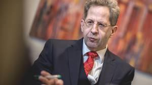 """""""Der Präsident des BfV hat (anders als von Medien berichtet) zu keinem Zeitpunkt behauptet, dass das Video gefälscht, verfälscht oder manipuliert worden ist"""":Hans-Georg Maaßen, Präsident des Bundesamtes für Verfassungsschutz (BfV)."""