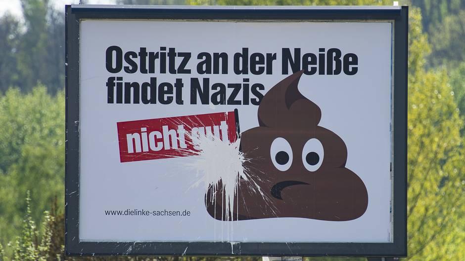 """Ein Schild mit der Aufschrift """"Ostritz an der Neiße findet Nazis nicht gut"""""""