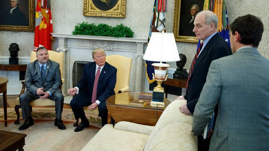 Donald Trump und Stabschef John Kelly