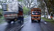 Lastwagen in Indien: 33 Truckfahrer soll ein Mann umgebracht haben(Symbolbild)