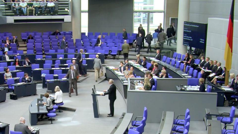 Bundestag: AfD-Fraktion verlässt nach Rede des SPD-Politikers Johannes Kahrs den Plenarsaal
