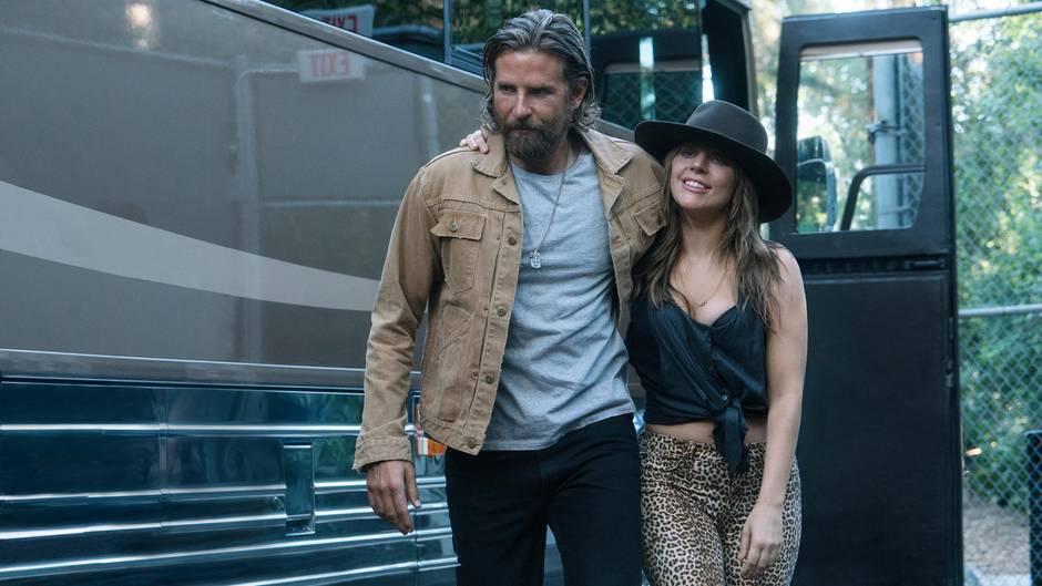 """""""A Star Is Born"""": Lady Gaga und Bradley Cooper als verliebtes Musikerpärchen"""