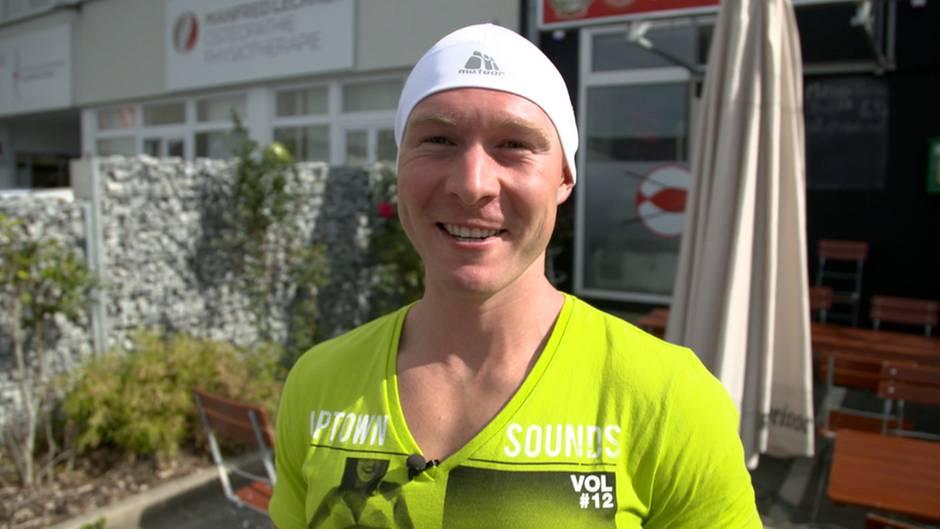 Triathlet Jaroslav Bobrowski kommt meist mit großem Hunger ins Restaurant.
