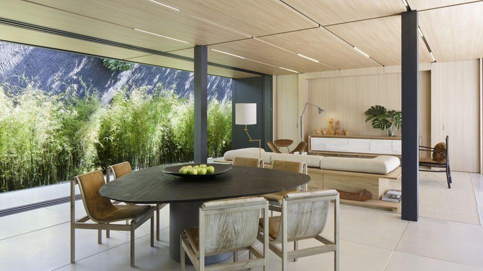 Vom Konzept und Dimension her wurde das Haus für die Vermögenden in Brasilien entworfen. Viele andere Bausatz-Häuser wollen dagegen Wohnraum für Arme schaffen.