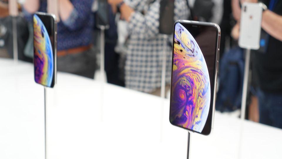 Keynote: Beim Design der neuen Modelle stand klar das iPhone X Pate