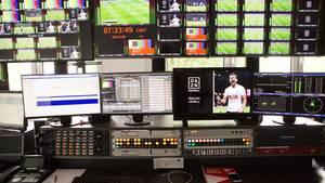 In der DAZN-Zentrale werden bis zu 44 Sport-Ereignisse gleichzeitig live übertragen