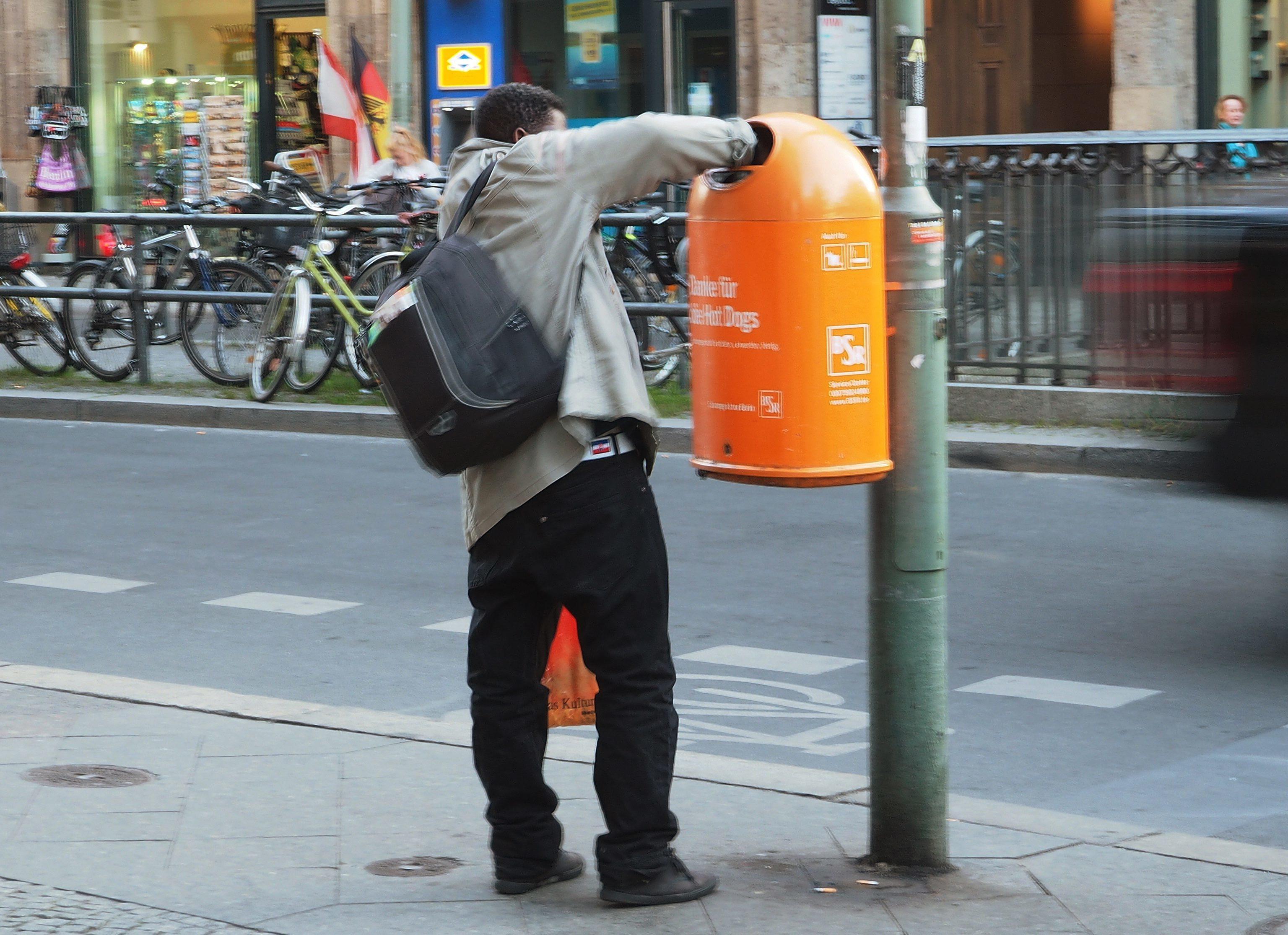 Berlin: Getränkemarkt Lehmann will Flaschensammler vertreiben | STERN.de