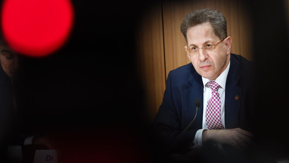 Die SPD fordert die Ablösung von Verfassungsschutzpräsident Hans-Georg Maaßen