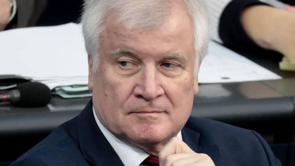 Horst Seehofer bei einer Sitzung im Bundestag