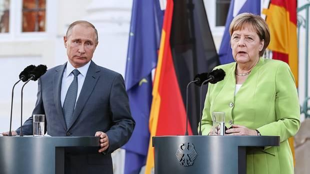 Präsident Putin im August 2018 zu Besuch bei Kanzlerin Merkel