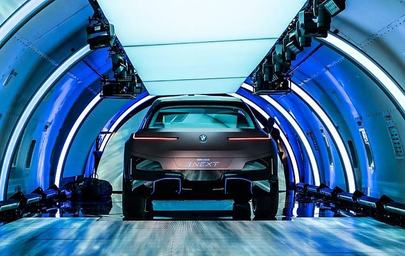 BMW iNext 2021 - rein elektrisch angetrieben