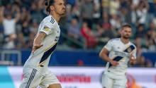 Zlatan Ibrahimovic feiert sein 500. Tor
