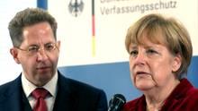 Angela Merkel rückt von Verfassungsschutz-Chef Hans-Georg Maaßen ab