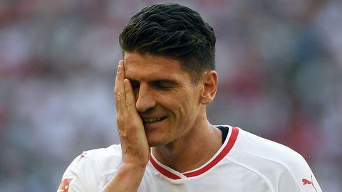 Mario Gomez vom VfB Stuttgart gefällt die Entwicklung auf dem Fußball-TV-Markt nicht