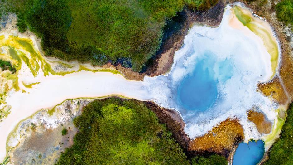 Der heiße Pool Bláhver im Hveravellir-Gebiet: Die Wikinger hatten als erste Siedler einst Angst vor dem Naturschauspiel – es war in Norwegen unbekannt
