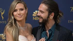Heidi Klum steht mit ihrem Freund Tom Kaulitz auf dem roten Teppich bei den Emmy Awards 2018