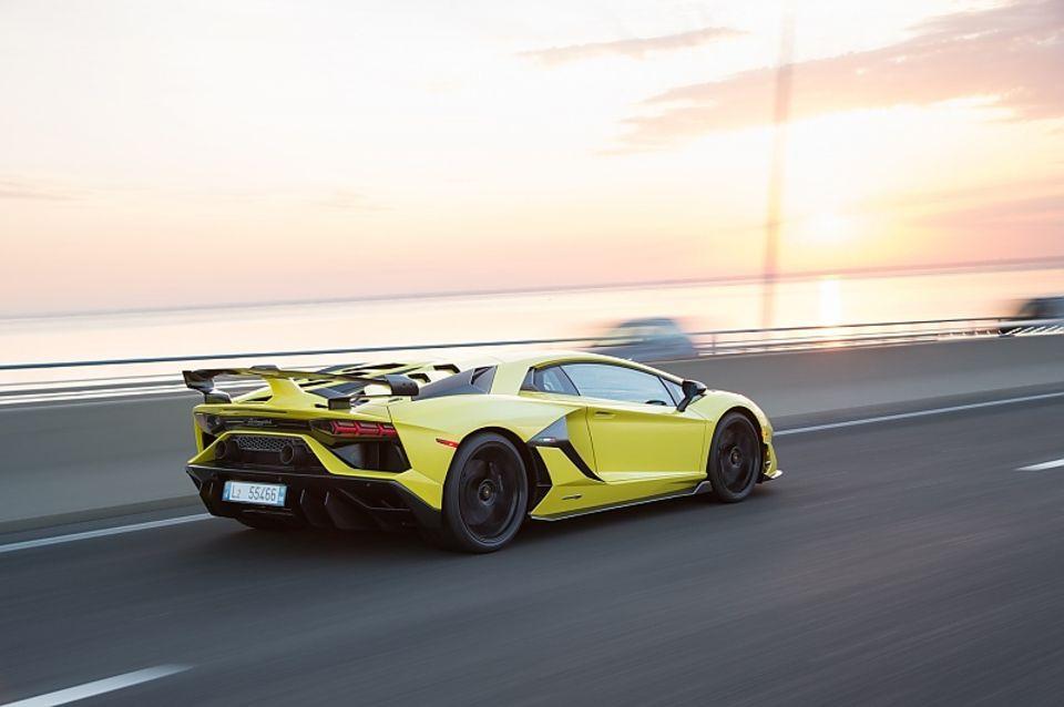 Lamborghini Aventador SVJ - 0 auf Tempo 100 in 2,8 Sekunden