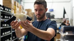 Cody Wilson streitet sich mit der Regierung, ob er Baupläne für Waffen ins Netz stellen darf