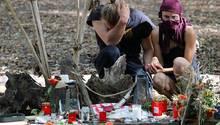 Trauer an der Absturzstelle im Hambacher Forst