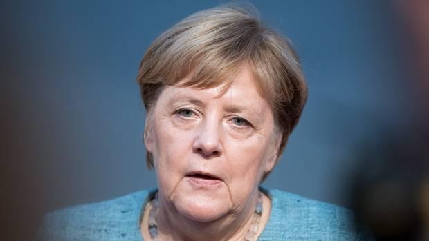 Bundeskanzlerin Angela Merkel gibt eine Erklärung zu den neuen Maaßen-Verhandlungen ab