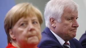 """Bitterer """"Sonntagstrend"""" für GroKo-Parteien - Rekordtief für CDU/CSU"""