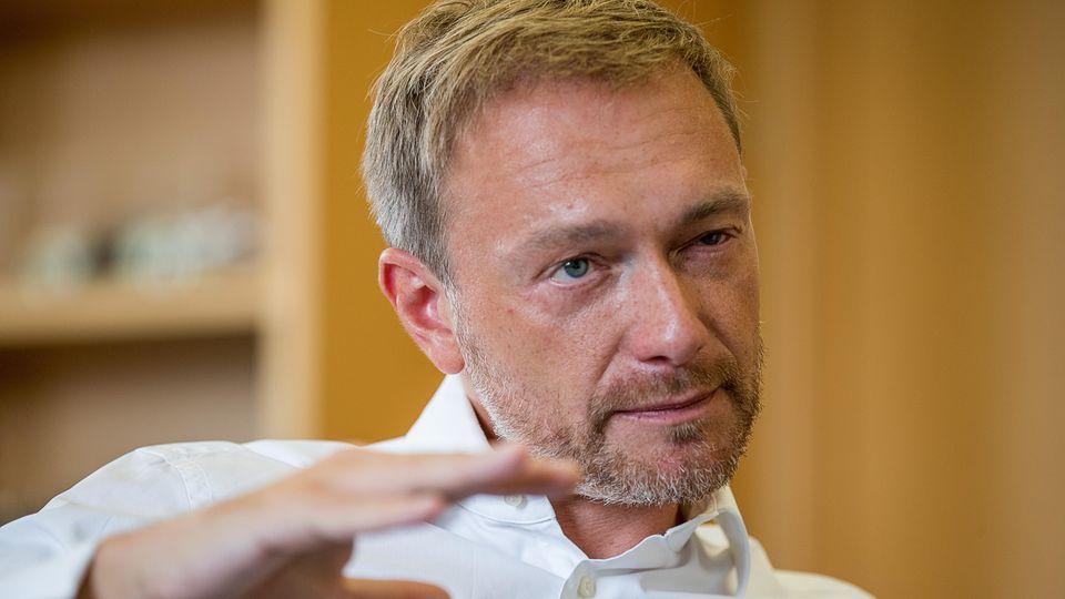 """FDP-Chef: Lindner lästert über die Maaßen-Lösung und Merkel: """"Sie ist politisch erschöpft"""""""