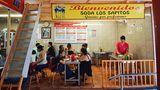 Einfache Restaurants in Costa Ricawerden als Soda bezeichnet. Wie hier in einerMarkthallein der Nähe von San José kann man preiswert und lecker essen.