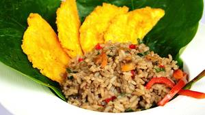 Gallo Pinto, Reis mit schwarzen Bohnen werden in Costa Rica nicht nur zum Frühstücke gegessen.