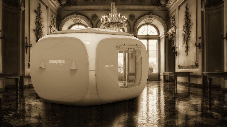 Sleeperoo verspricht romantische Nächte an besonderen Orten - auch indoor. Der Sleepcube kann beispielsweise auch im Schloss aufgestellt werden