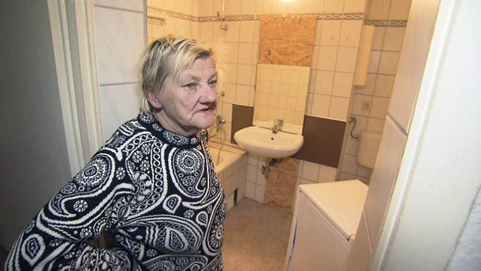 Karin Ritter in ihrer neuen Wohnung in derAdolf-Kolping-Straße in Köthen - mit richtigen Sanitäranlagen.