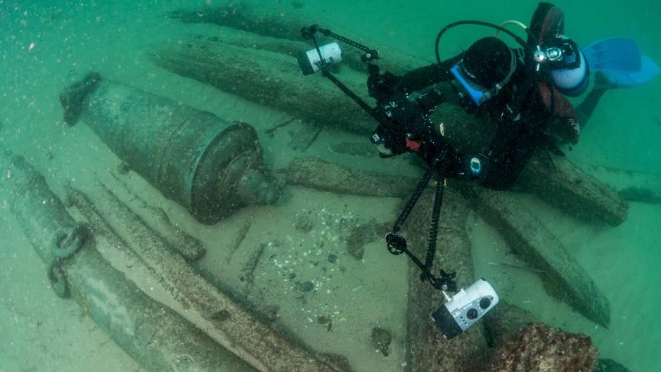 """Portugal: 400 Jahre altes Schiffswrack mit """"sehr gut erhaltenen"""" Schätzen entdeckt"""