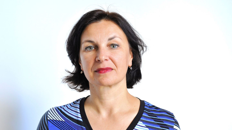 Petra Stuiber sieht die Pressefreiheit in Österreich unter Druck, aber nicht in Gefahr