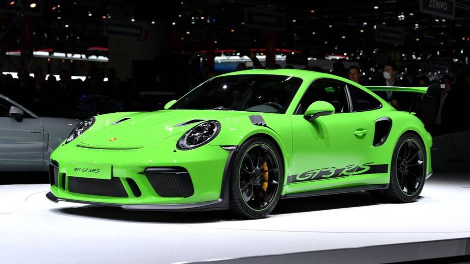 Österreich - Porsche-Raser mit 338 km/h auf Autobahn unterwegs - ohne Führerschein