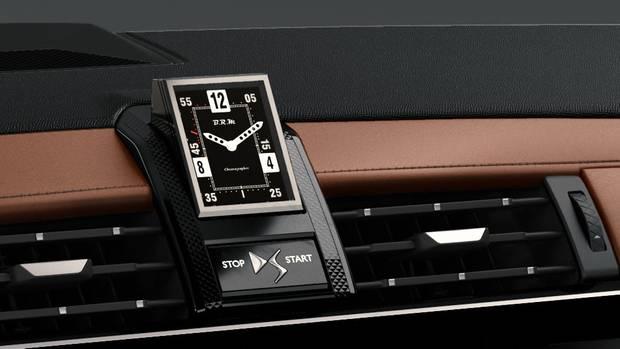 Hingucker: die Uhr B.R.MR180 im DS 7 CROSSBACK