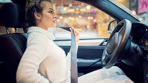 Für Fahranfänger bieten Telematik-Tarife ein gutes Sparpotenzial und sie ermahnen zu einem, sicheren Fahrstil.