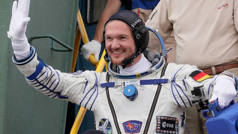 """Alexander Gerst: So sieht Astro-Alex den Supertaifun """"Trami"""" vom Weltraum aus"""