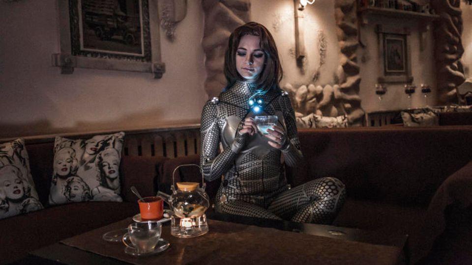Manchmal trägt die Neurobiologin und Transhumanistin Olga Lewitzkaja selbst den Cyber-Anzug