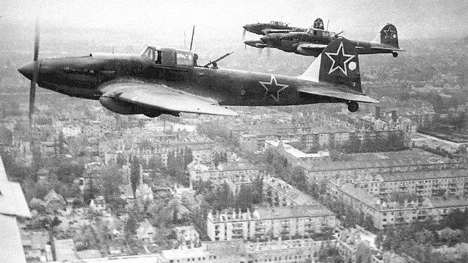 Ilyushin IL-2 über Berlin 1945.