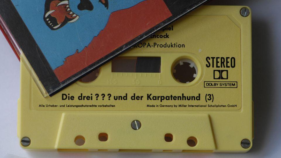Trotzt Streaming auf Kassette und CD ein Dauerbrenner: Die Geschichten der drei Fragezeichen.
