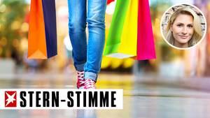 Mädchen mit Einkaufsbeuteln