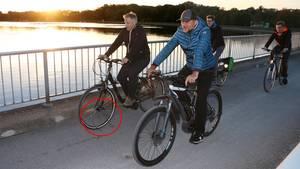 """""""Donaukurier""""-Leser wollten in dem Ast in der Speiche ein Fahrradschloss erkannt haben"""